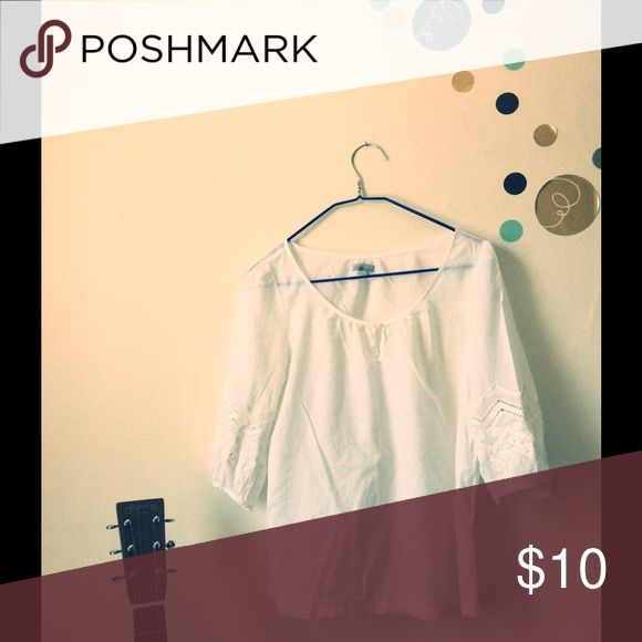 Top/blouse white. Perfect condition top blouse. Perfect for summer. No stains. Old Navy Tops Blouses