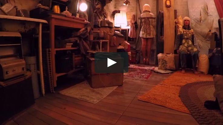 """This is """"Sia - Chandelier (Live GRAMMYs 2015 feat. Kristen Wiig & Maddie…"""