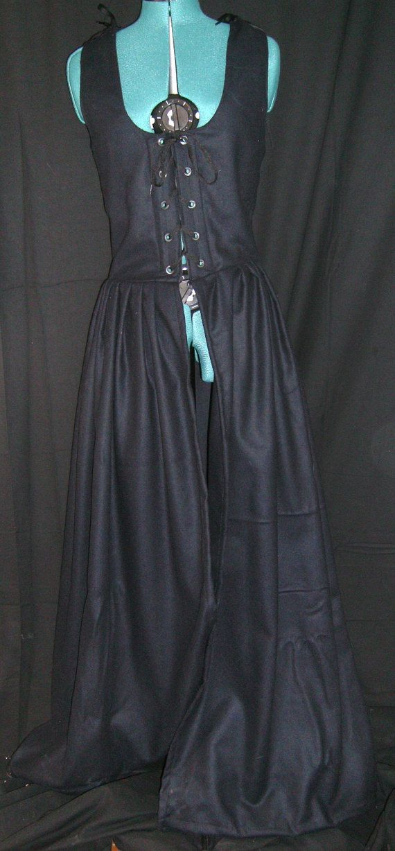 Black Wool Irish Medieval Dress  Size 14 by Mordork on Etsy