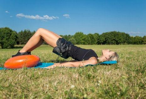 Cvičení pánevního dna je oblíbené především u žen, ale posilovat by ho měli i muži