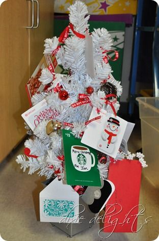 Teacher Gift Mini Christmas Tree With Gift Cards Neat Gift Ideas