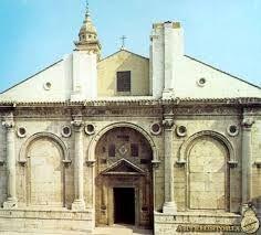 fachada del templo de los Malatesta en Rímini