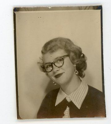 Going-for-sexy-geek-girl-look-photobooth-vintage-snapshot-photo-booth