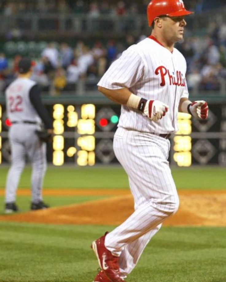 Its a snowy #IrrelaVin Wednesday! Let's see if you can guess this 2x former #Phillies player!  1) worked as a #pizza delivery guy for #dominos and a batting instructor at Buckey Dents baseball school during his playing career!  2) Following retirement this former fightin' phil was named on the #mitchellreport !  3) Appeared on the cover of the #videogame Ultima Online!  Bonus: He now owns a #summer wooden bat collegiate #baseball team! #irreleVinwednesday #irrelaVin #completelyoutofit