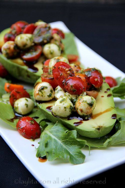 Avocado, fresh mozzarella cheese balls, cherry tomatoes, & balsamic dressing. Sprinkle on feta cheese as desired.