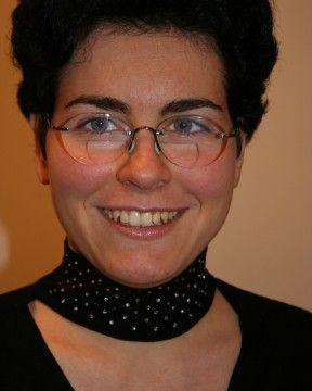 Dr. Kiss Melinda , konzerváló fogászat és fogpótlástan szakorvosa , esztétikai fogászat , fogpótlás specialista www.fogpotlas.hu