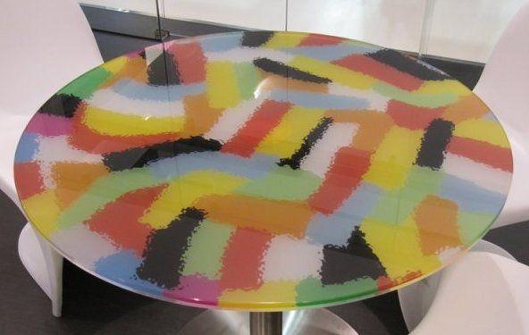 EdileVetro ha realizzato questo coloratissimo tavolo grazie al sistema Valjet. I nostri speciali inchiostri a base acqua garantiscono tenuta perfetta del colore, resistenza ai graffi e nessuna sbavatura. Provare per credere! ----------------------- EDILEVETRO REALIZED THIS COLOURED TABLE THANKS TO VALJET SYSTEM. OUR WATER BASED SPECIAL INKS GUARANTY A PERFECT COLOUR SEAL, SCRATCH RESISTANCE AND ANY BLUR. TRY TO BELIEVE.