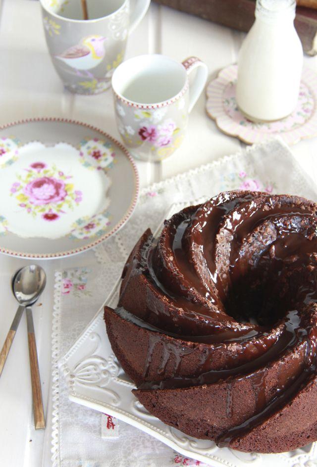 Bizcocho de chocolate: receta jugosa y esponjosa.