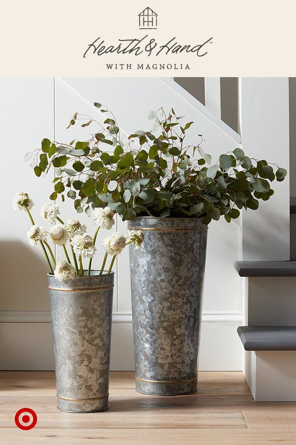 Spruce Up An Entryway Or Empty Corner With Tall Galvanized Vases And Artificial Stems Stick To A Few Country Farmhouse Decor Farmhouse Decor Foyer Decorating