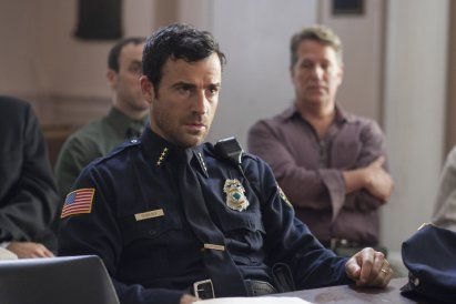 The-Leftovers-Justin-Theroux-Cop-Uniform