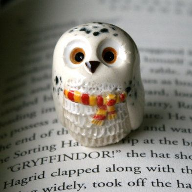 Hedwig the Snowy Gryffindor Owl: Harry Potter Inspired Owlery Clay Miniatures by calicoowls on etsy. Want !