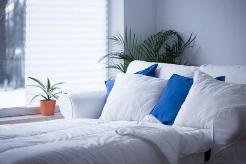 Blek dina sängkläder så de blir som nya med detta smarta tips!