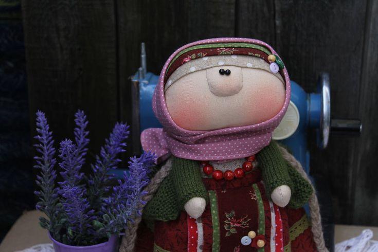 Здравствуйте! Сегодня предлагаю выкройку куколки в народном стиле. Буду рада если кому то пригодится.