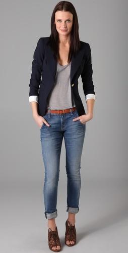 Dark blue Blazer and skinny jeans