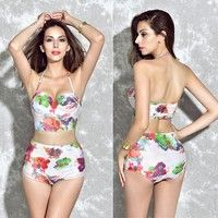Size: M,L,XL Material: Polyester Color:one color Neckline: Halter Package Including:1 * Swimsuit The