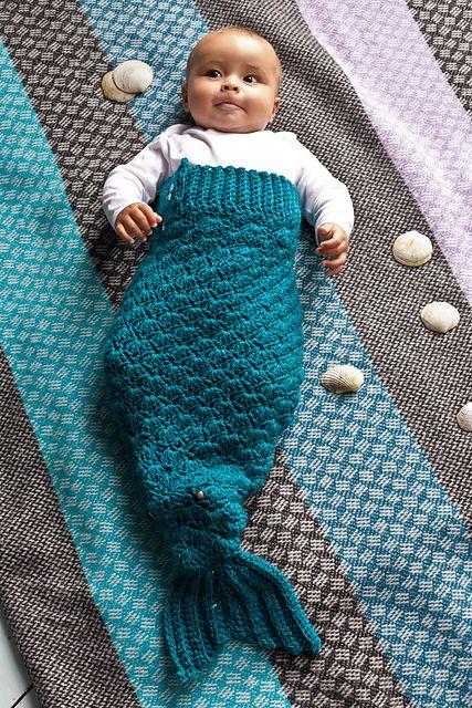 Free Pattern. Ravelry: Mermaid Tail pattern by Kat Goldin.