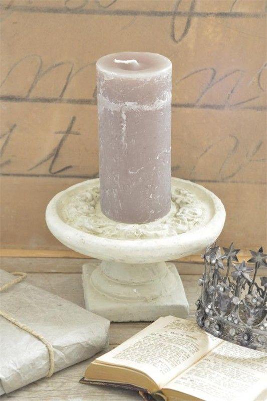 fraaie, lage  cementen schaal op voet van Jeanne d` Arc living
