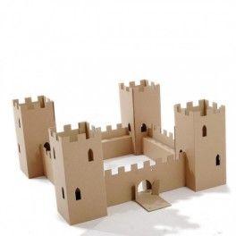 Castillo de cartón de Paperpod http://pekaypeke.com/es/juguetes-de-carton/93-castillo-de-carton.html