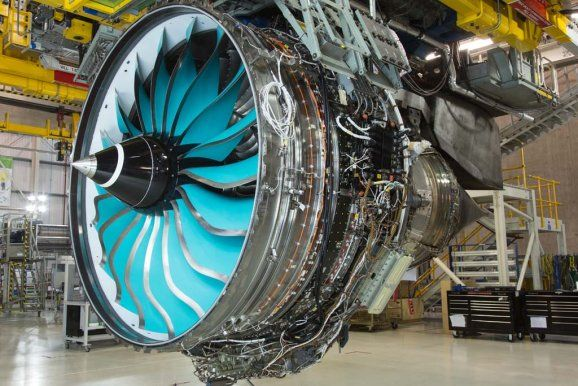 Seit dem 25. Januar 2014 testet Rolls-Royce in Derby ein Trent 1000 mit einem Bläser, dessen Schaufeln aus Verbundwerkstoffen bestehen.