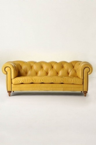 luv it <3: Living Rooms, Leather Couch, Leather Sofas, Ate Chesterfield, Yellow Couch, Sit Rooms, Chesterfield Sofas, Mustard Yellow, Yellow Leather