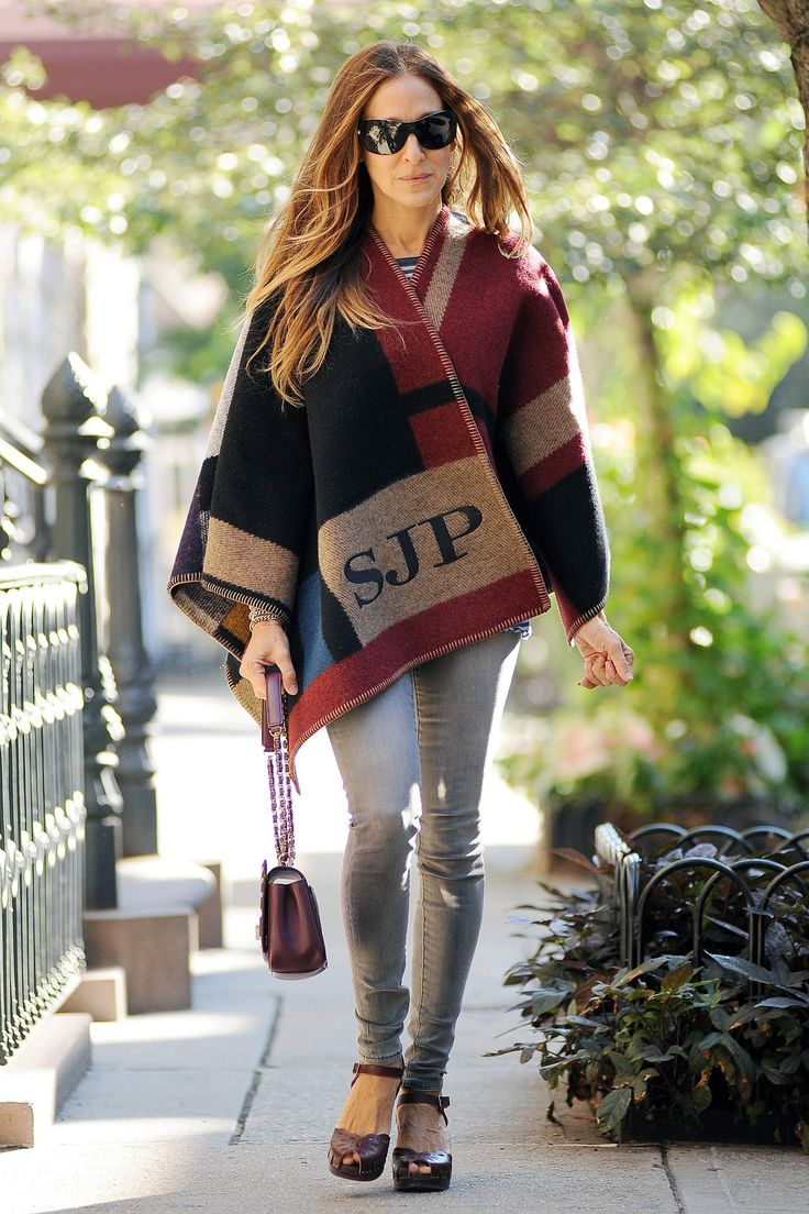 Sarah Jessica Parker in a Burberry poncho - best dressed