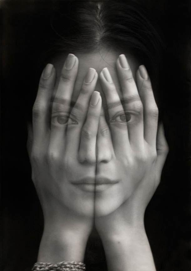 """Les portraits monochromes de l'artiste arménien Tigran Tsitoghdzyan, qui à travers ses séries """"Millenium"""" et """"Mirror"""" mélange surréalisme et hyperréalisme."""