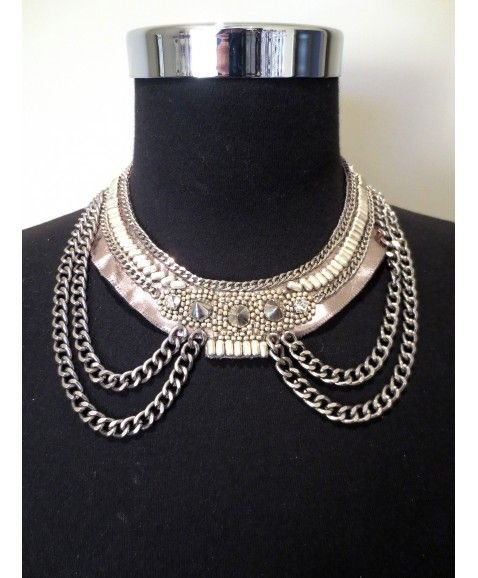 LAVISH LILAH NECKLACE  Studded collar style neckalce, wear with a cocktail dress to toughen up the look or under a collared shirt to accessorise a day time look. Materials include leather, plated brass and glass crystal Designed in WA and only 5 created Due to the handmade nature of the this item, slight variations between each product will occur and should not be taken as a fault but as each items individual personality…