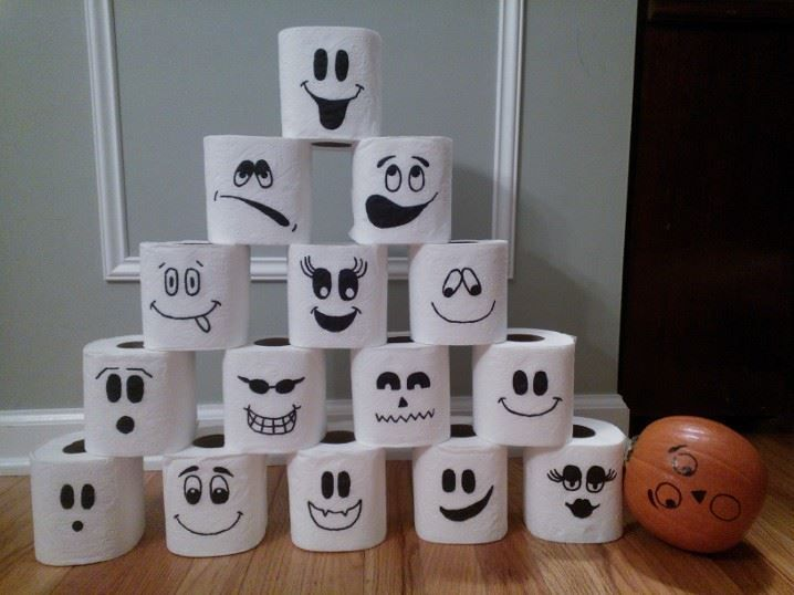 Pumpkin bowling game for Kindergarten Halloween party. All you need is toilet paper, a Sharpie, and a small pumpkin!