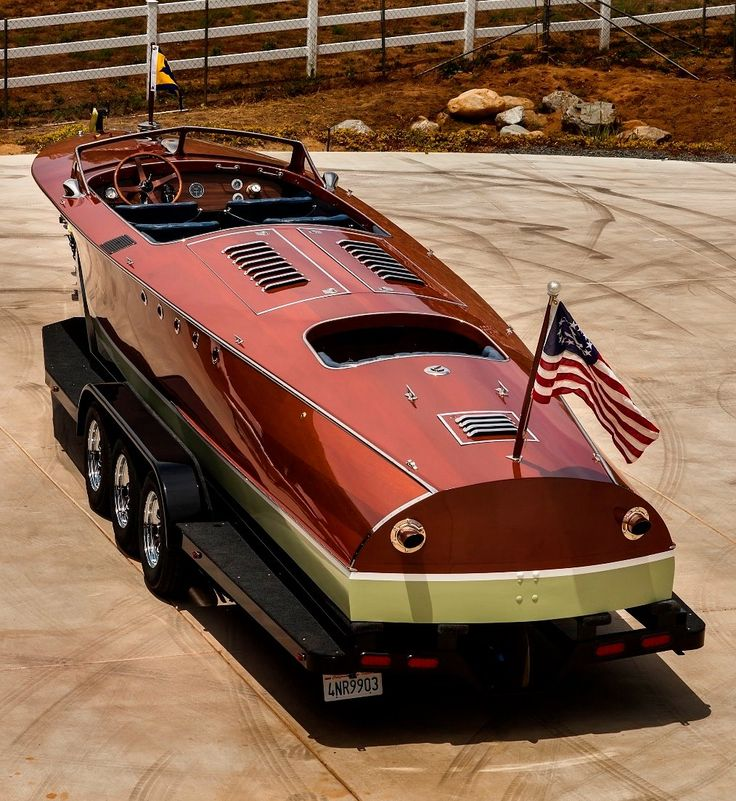 """""""Evangeline"""" a 1924 (33') Hacker Craft Custom Runabout, Powered by a 12-cyl, 450 hp, Capitol Ford Liberty Engine"""