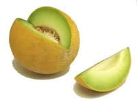Vanaf 4 maanden mag je officieel een baby fruit geven. Een baby zou het heerlijk vinden als dit met vers fruit klaar gemaakt is. Met onderstaande fruit hapjes kan je in ieder geval een lach op het gezicht van je baby toveren. Deel 3