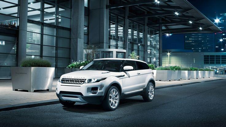 Range Rover Evoque in white