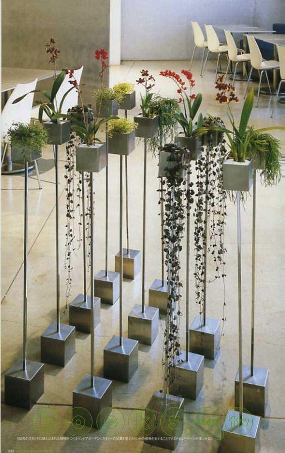 Colunas p/ Plantas / Cimento + Metal Polido