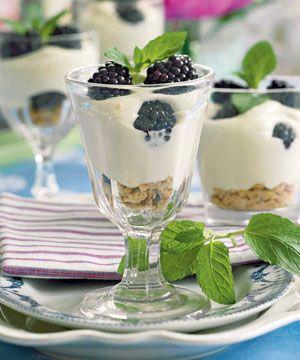 Brombær-trifli med mascarpone er en skøn nyfortolkning af den klassiske trifli