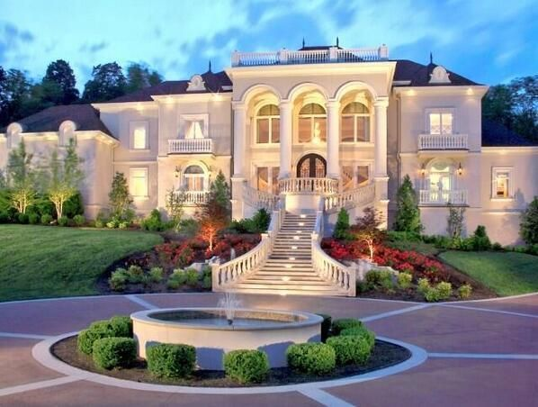Living in grand style