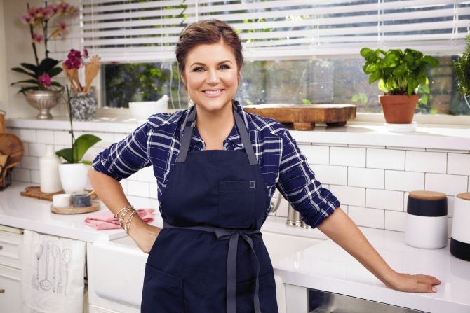 """Tiffani Thiessen stars in """"Dinner at Tiffani's"""" on the Cooking Channel 