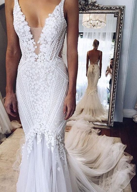 Appliques V-Neck Elegant Mermaid Open-Back Wedding Dresses