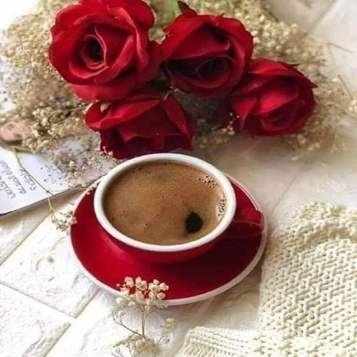 للصباح أيضا مفاتيح تفتح قلوبنا ربما ابتسامة أو حتى فنجان قهوة ربما محادثة أو وردة ابحثوا عن مفاتيح قلوبكم لا شيء يستحق Coffee Club Chocolate Tea Coffee Time