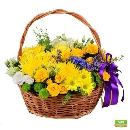 Оригинальные букеты в стиле рустик с солнечными летними цветами – это отличный способ порадовать родных и близких и подарить им прекрасное настроение независимо от даты. http://flora2000.ru/p/korzina_solnechnyh_tsvetov