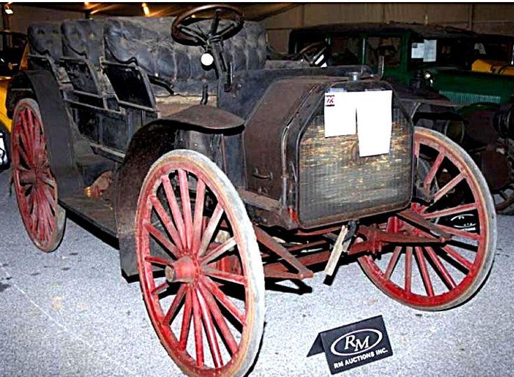 International Harvester AW 9, voiture routière de 1914  La International Harvester AW 9, cette automobile ancienne fut construite en 1914.