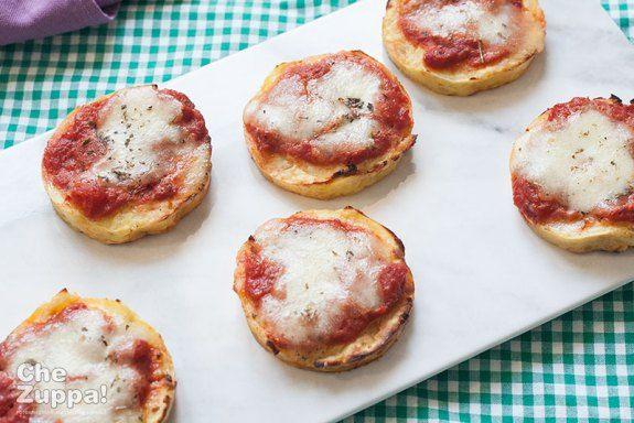 #Pizzette di #patate pratiche e golose. Le #RicetteDaDivanoChezuppa!