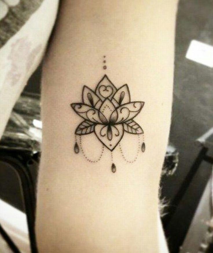 55 Pretty Lotus Tattoo Designs: 25+ Bästa Lotustatuering Idéerna På Pinterest