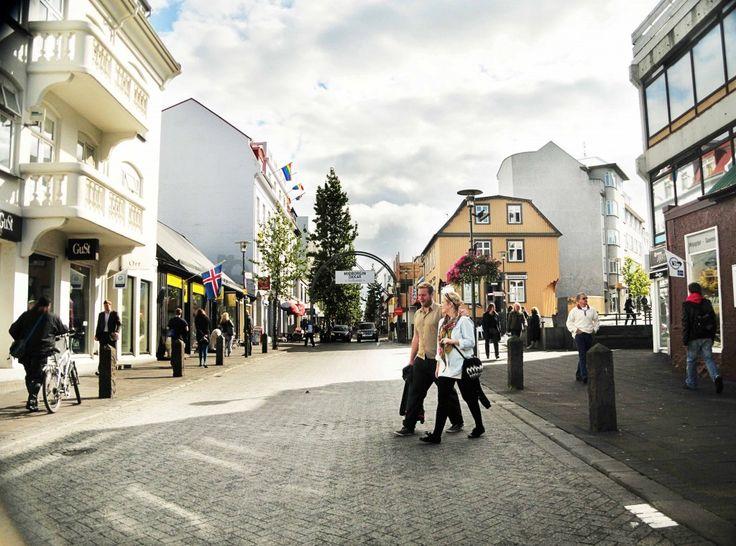 Reykjavik, Iceland is so cute! Here's 5 things to do for under $ 5 in Reykjavik via Beers & Beans