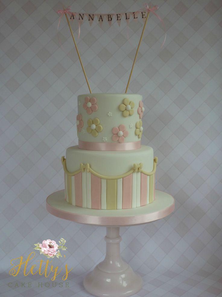 annabelles-christening-cake-girls-pretty