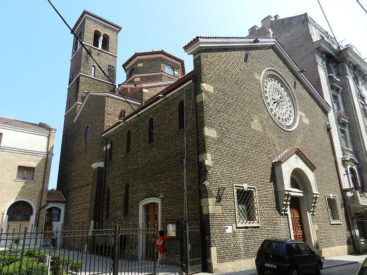 Biserica Sfântul Anton de Padova (1938), Constanţa, arh. Romano de Simon ۞ stilul: romanic (sec. al XIII-lea), specific bisericilor din nordul Italiei, din  cărămidă aparentă (exterior şi interior), cu acoperiş din olane turceşti, la început, acum ţiglă