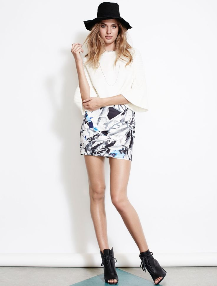 Isla the Label always has the most beautiful prints! This mini skirt is no exception!!