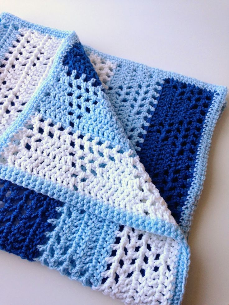 Triangles & Stripes Baby Blanket - Free Crochet Pattern - (5littlemonsters)