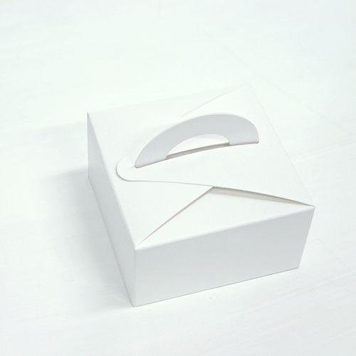 Mini Dessert Box – White | Miss Package #dessertpackaging #macaronpackaging #weddingpackaging #giftbox #takeoutbox #cutebox #pink #somthingwhite