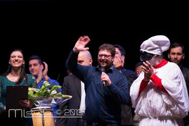 parte finale dello spettacolo.....è stato bellissimo vedere  ben 450 posti a sedere del Teatro Diana di Nocera Inferiore riempirsi.....