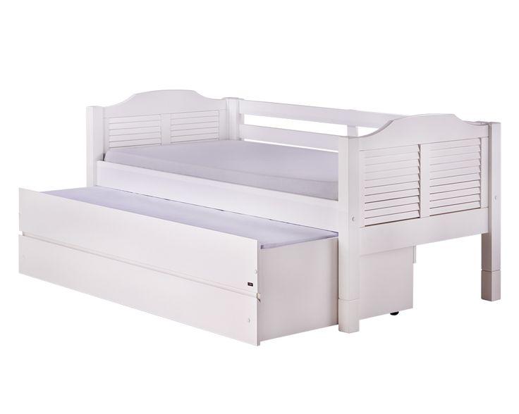 Diferente da cama BASIC Auxiliar, a cama MULTI com auxiliar e gavetão é um plus no quarto daqueles que possuem pouco espaço. Essa possuí na parte inferior uma cama auxiliar e um gavetão, ambos com a profundidade de 90 cm. Ou seja, tem muito espaço para guardar coisas bem como um adulto dorme confortavelmente Uma ótima opção de cama 3 em um. #tricama #camatresemum #camaauxiliargavetao #camamultifuncional #camacombicamaegavetas #crofthouse #crofths