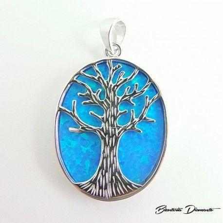 Srebrny #wisiorek przedstawiający drzewko szczęścia ozdobiony niebieskim opalem :) Biżuteria Diamento #biżuteria #biżuteriasrebrna